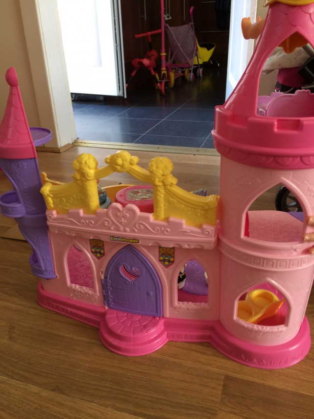 Fisher Price Little People Disney Princess Palace Review