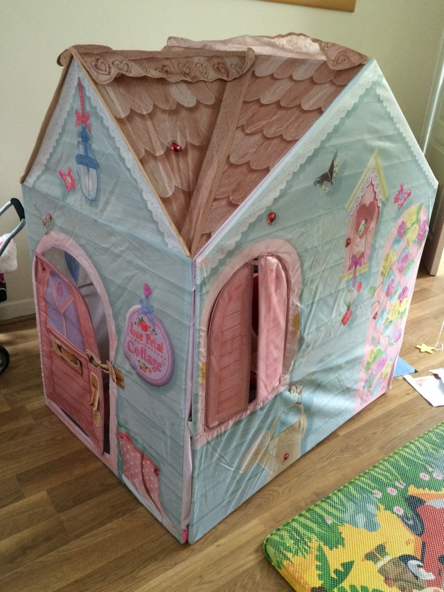 dreamtown rose petal cottage assembly instructions