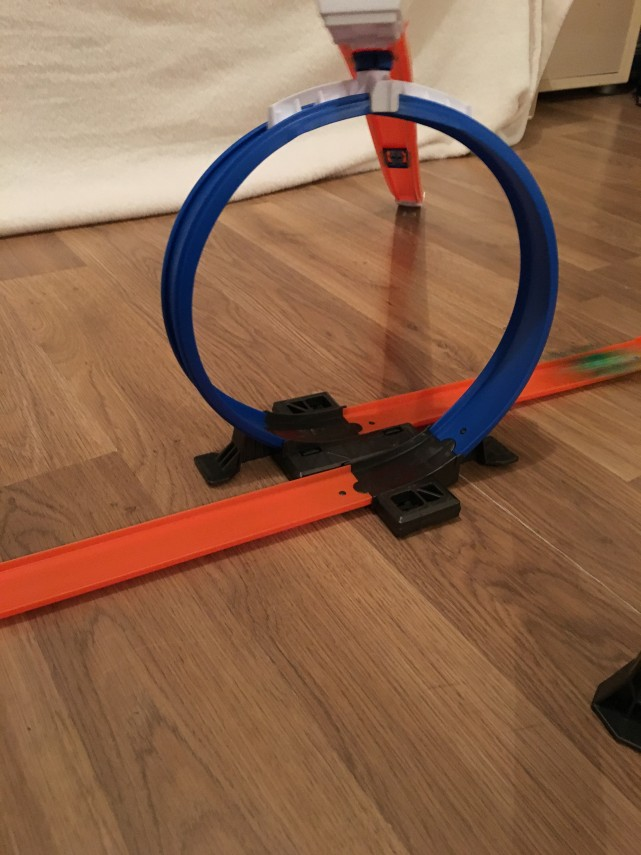 Hot Wheels Track Builder Starter Kit Review