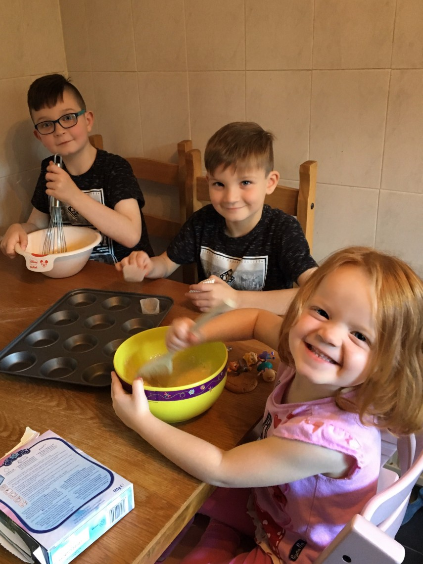 baking-with-kids