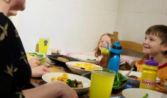 The Importance Of Eating Dinner Together With HelloFresh #DinnerTimeChallenge