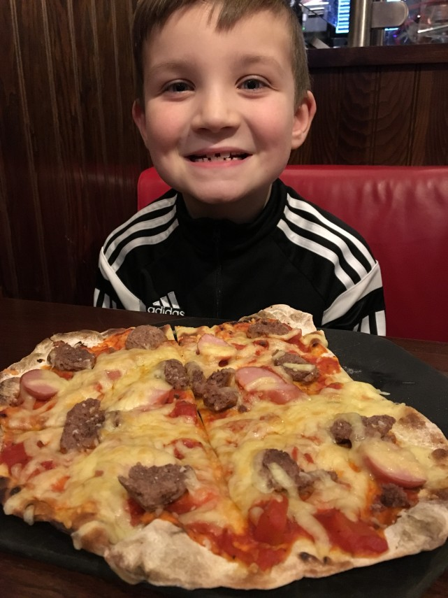 TGI Kids Pizza