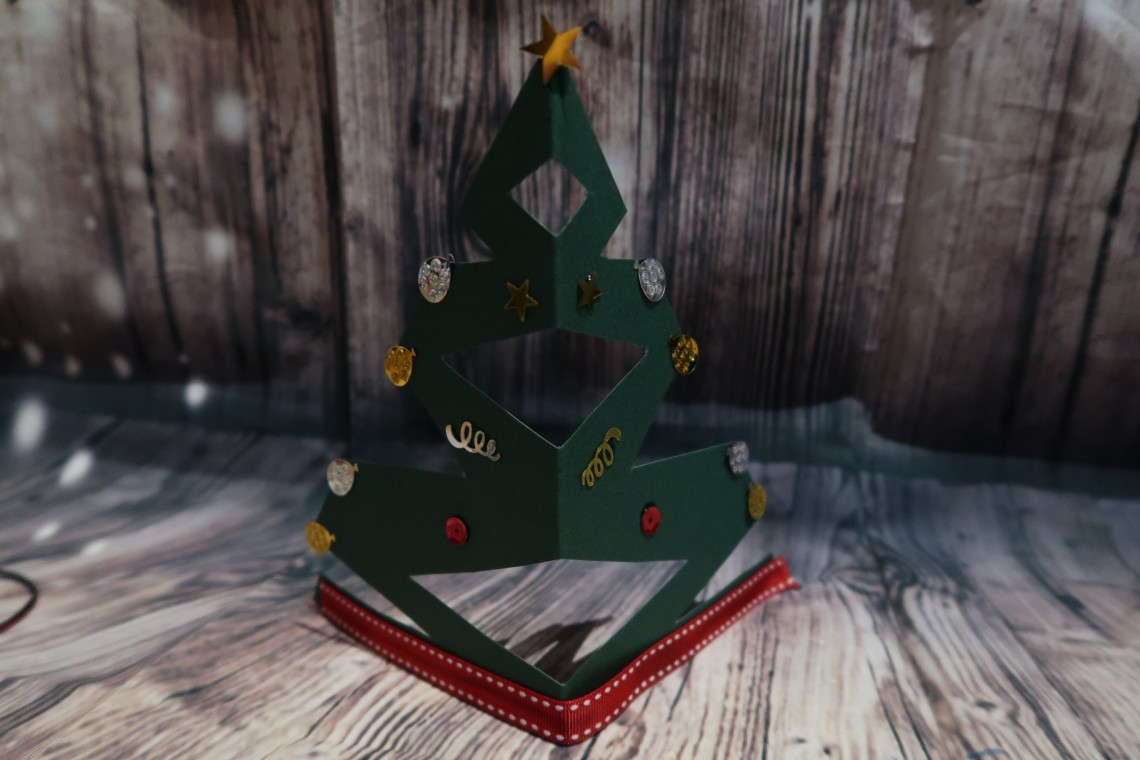 Cut out Tree Decoration