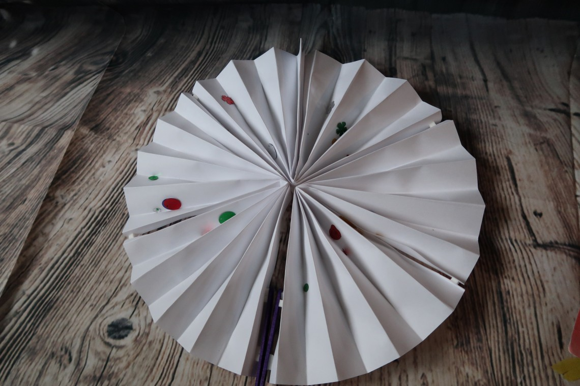 Decorating Chinese Fan