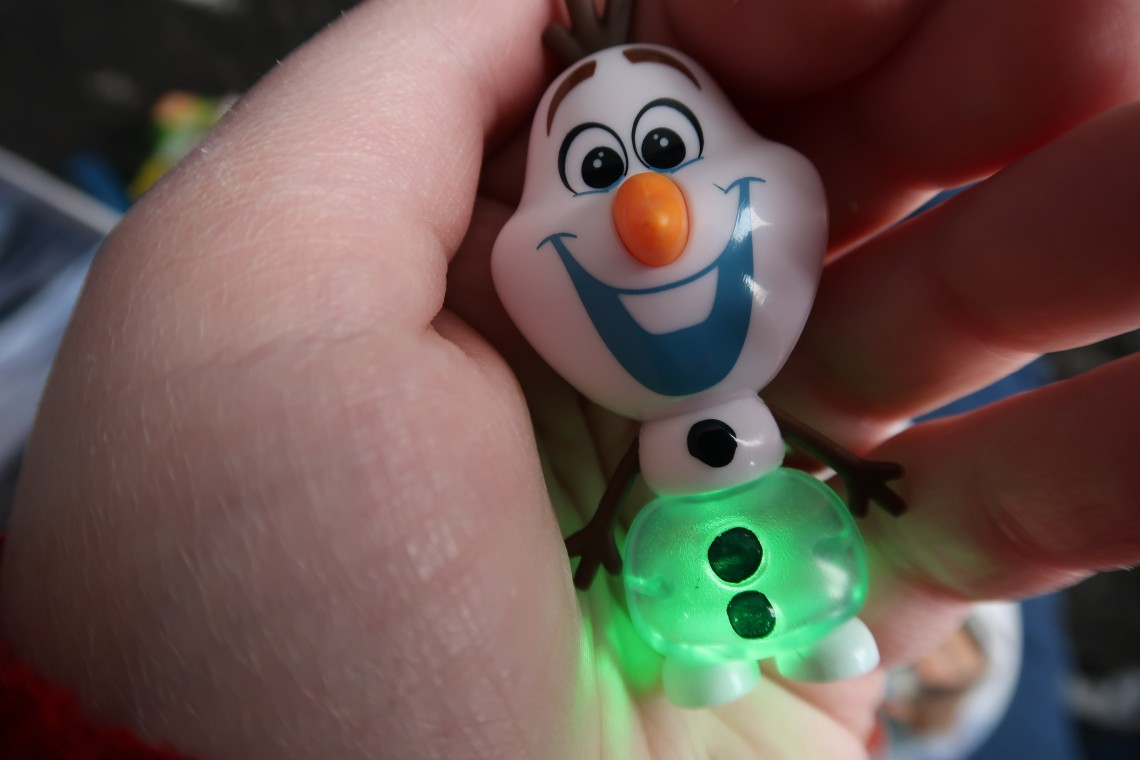 Disney Frozen 2 Whisper and Glowing Olaf